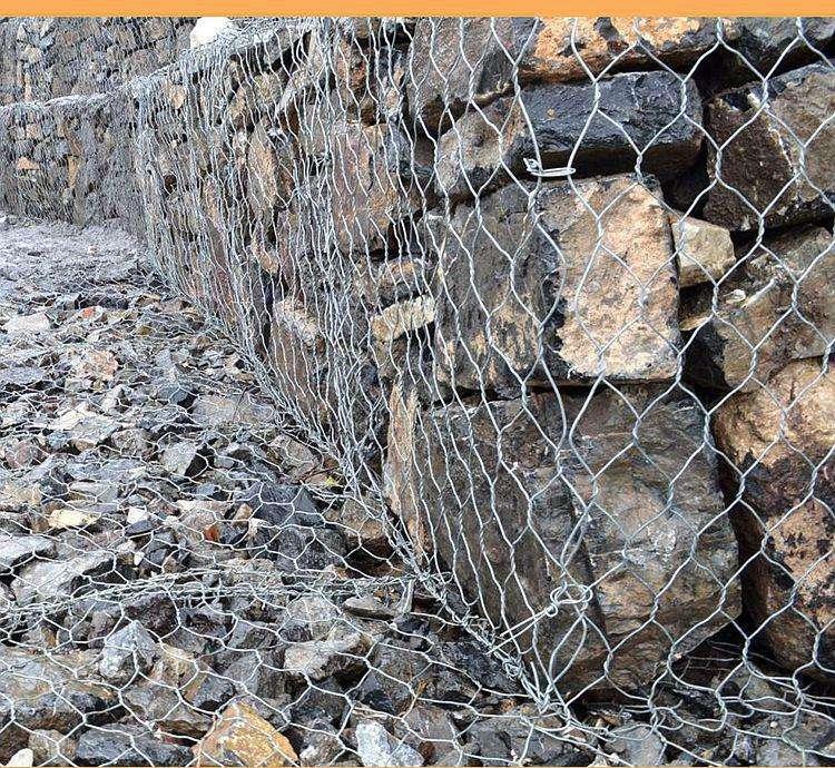 铅丝笼装石