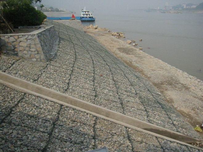 堤防覆塑格宾网